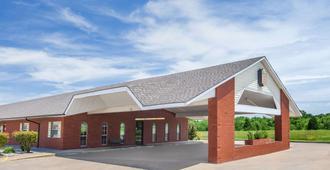 Super 8 by Wyndham Muskogee - Muskogee - Edificio