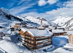 Hotel Walserberg - Warth (Vorarlberg) - Widok na zewnątrz