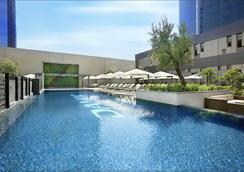 達瑪克大廈庭院花園公寓式酒店 - 杜拜 - 杜拜 - 游泳池