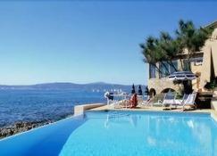 貝拉奧羅爾酒店 - 聖馬克西姆 - 聖馬克西姆 - 游泳池