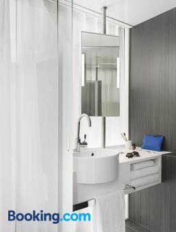 Okko Hotels Paris Porte de Versailles - Paris - Bathroom
