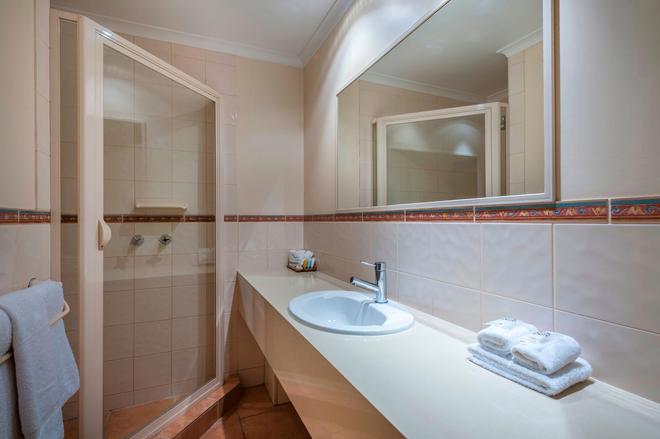 Mildura Inlander Resort - Mildura - Bathroom