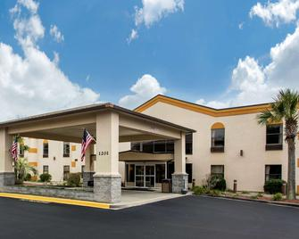 Quality Inn Surfside Myrtle Beach - Surfside Beach - Gebäude