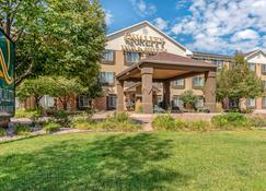 Quality Inn & Suites University - Fort Collins - Edificio