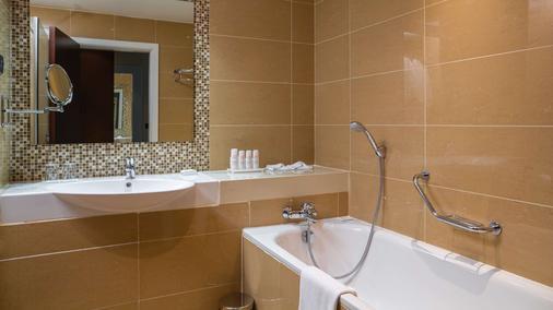 Radisson Blu Hotel, Addis Ababa - Addis Ababa - Bathroom
