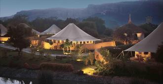 The Oberoi Vanyavilas Wildlife Resort, Ranthambhore - Sawāi Mādhopur - Outdoors view