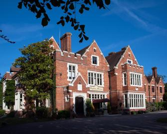 Highley Manor - Haywards Heath - Building