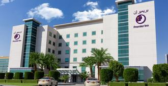 Premier Inn Dubai Investments Park - דובאי
