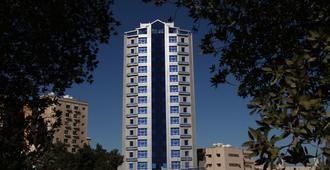 Roomi Suites Hotel - כווית סיטי