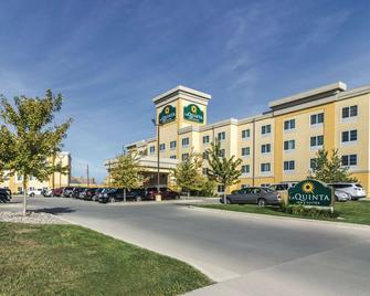 La Quinta Inn & Suites by Wyndham Fargo-Medical Center - Fargo - Edifício