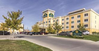 La Quinta Inn & Suites by Wyndham Fargo-Medical Center - Fargo - Toà nhà