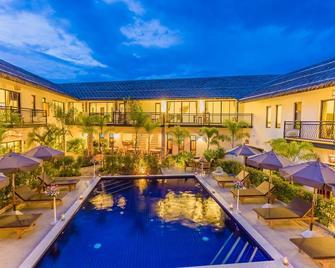 Pa Prai Villas @ The Plantation - Pran Buri - Pool