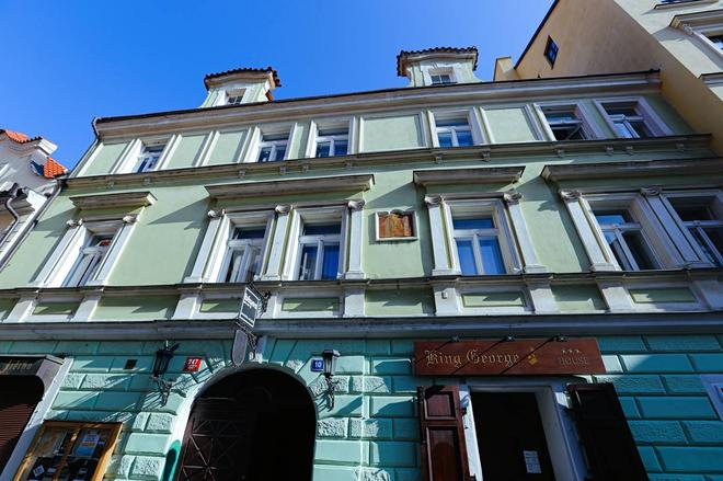 Hotel King George - Prague - Building