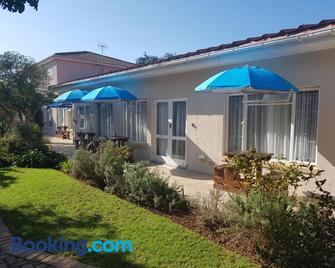 10 Windell Self Catering Accommodation - Durbanville - Building