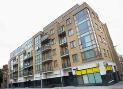 Staycity Serviced Apartments - Saint Augustine St - Dublin - Building