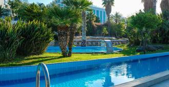 Bodrum Holiday Resort & Spa - בודרום - בריכה