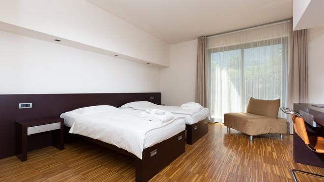 Astoria Park Hotel Spa Resort - Riva del Garda - Bedroom