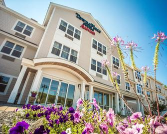 Towneplace Suites By Marriott Gilford - Gilford - Budova