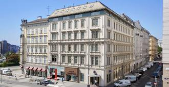 Living Hotel an der Oper by Derag - Vienna - Building