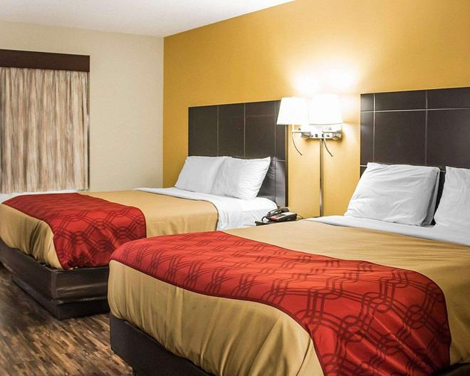 Econo Lodge - Columbus - Bedroom