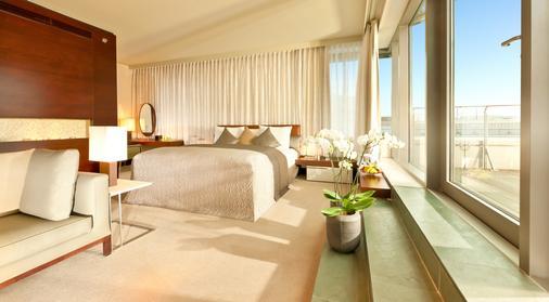 Dorint Hotel am Heumarkt Köln - Cologne - Bedroom