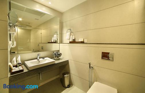Blanket Hotel and Spa - Munnar - Bathroom