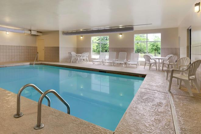 Country Inn & Suites by Radisson, Sumter, SC - Sumter - Uima-allas