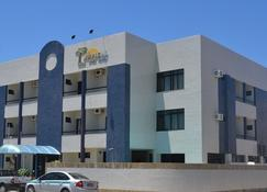 Tropical Praia Hotel - Aracaju - Building