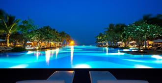 Vinpearl Luxury Da Nang - Da Nang - Pool