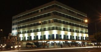 Hi Hotel Impala - Santiago de Querétaro - Edificio