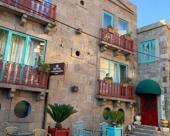 Tas Hotel 17 - Behram - Gebouw