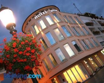Hotel Savus - Slavonski Brod - Building