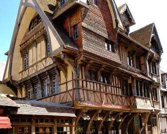 Hôtel La Résidence Manoir de La Salamandre - Étretat - Building
