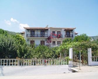 Guesthouse Christos - Skopelos - Building
