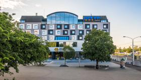 Park Inn by Radisson Danube Bratislava - Bratislava - Bygning