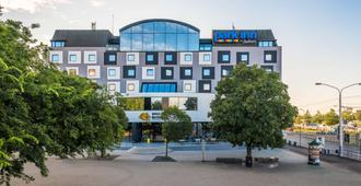 Park Inn by Radisson Danube Bratislava - Bratislava - Rakennus