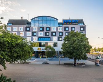 Park Inn by Radisson Danube Bratislava - Μπρατισλάβα - Κτίριο