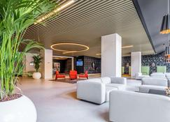 Park Inn by Radisson Danube Bratislava - Bratislava - Lobby