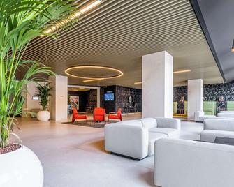 Park Inn by Radisson Danube Bratislava - Bratislava - Reception
