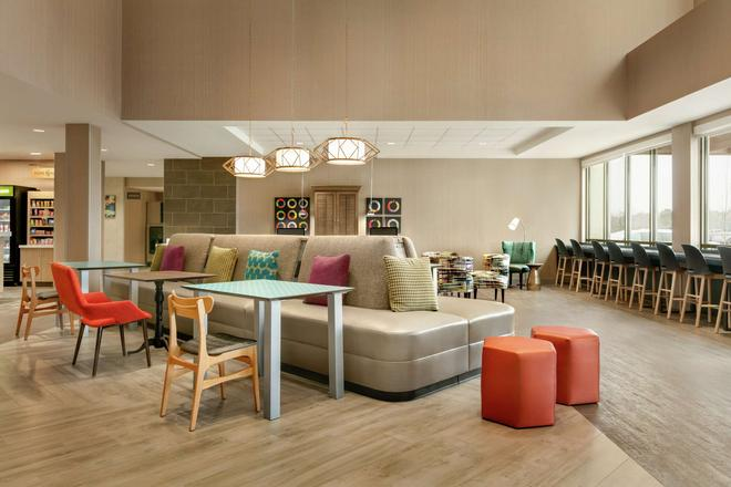Home2 Suites by Hilton Chantilly Dulles Airport - Chantilly - Lounge