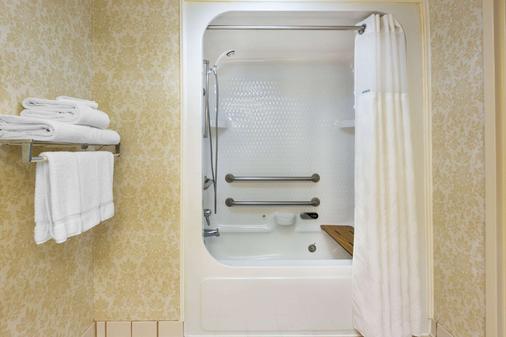 Ramada Limited Little Rock - Little Rock - Bathroom