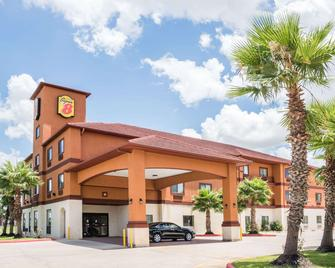 Super 8 by Wyndham Brookshire TX - Brookshire - Building