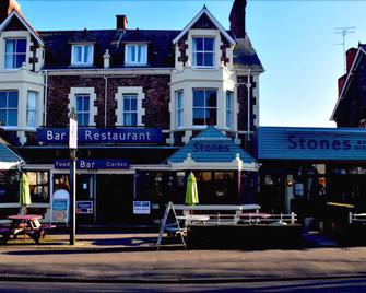 Stones Hotel Bar and Restaurant - Minehead - Building