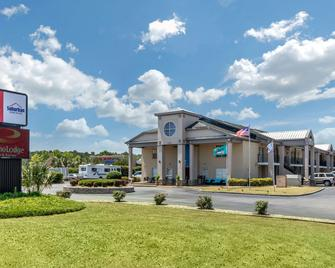 Suburban Extended Stay Hotel At the University - Conway - Building