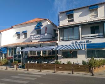 Hôtel Le Dauphin Bleu - Saintes-Maries-de-la-Mer - Edificio