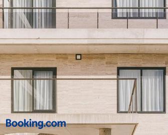 Cim Aparthotel - Sant Cugat del Valles - Building