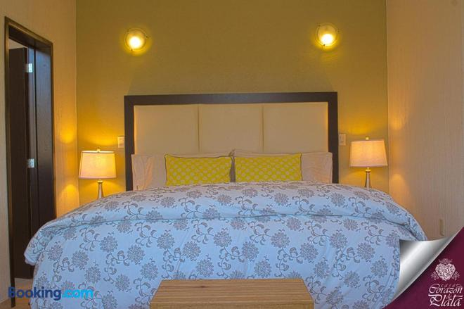 Casa Corazón de Plata Suites - Guanajuato - Bedroom