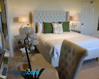 The Black Lion, Long Melford - Sudbury - Bedroom