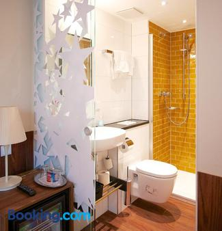 Hotel Europa Life - Frankfurt am Main - Bathroom