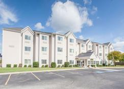 Microtel Inn & Suites by Wyndham Rogers - Rogers - Building